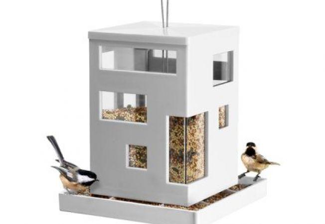 5 hranitori de pasari moderne pentru gradina ta