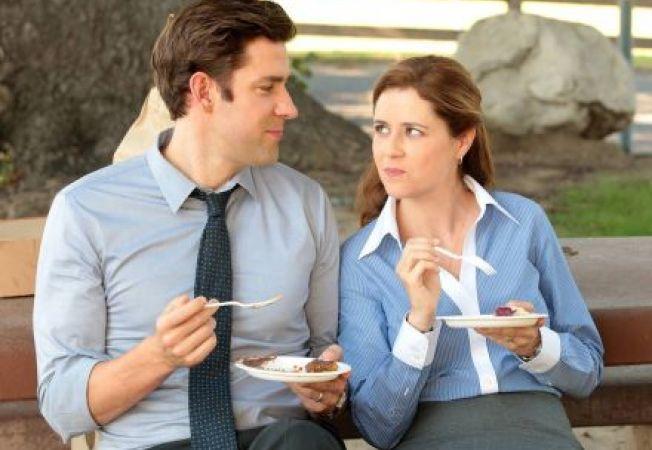 Cum sa ascunzi faptul ca esti indragostit/a de un coleg de serviciu