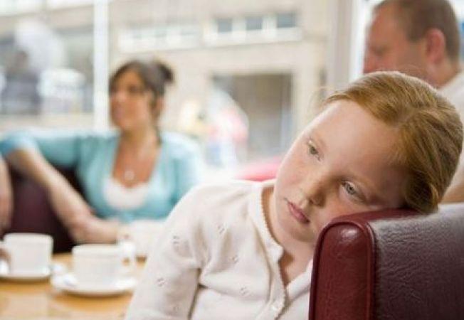 Copilul inzestrat intelectual poate fi introvertit. Ajuta-l sa-si dezvolte abilitatile sociale!