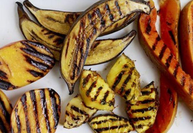 Trucuri pentru a prepara cele mai gustoase fructe la gratar
