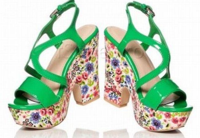 ADVERTORIAL: 4 sandale in tendinte pentru vara 2013