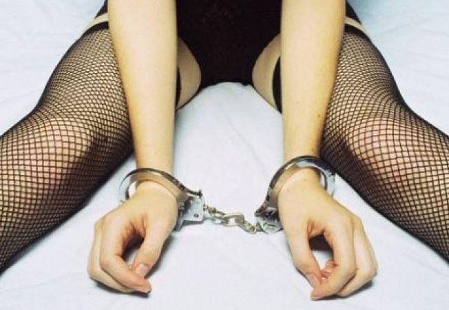 """Efectul celor """"50 de umbre ale lui Grey"""": tot mai multe incidente erotice in dormitor"""