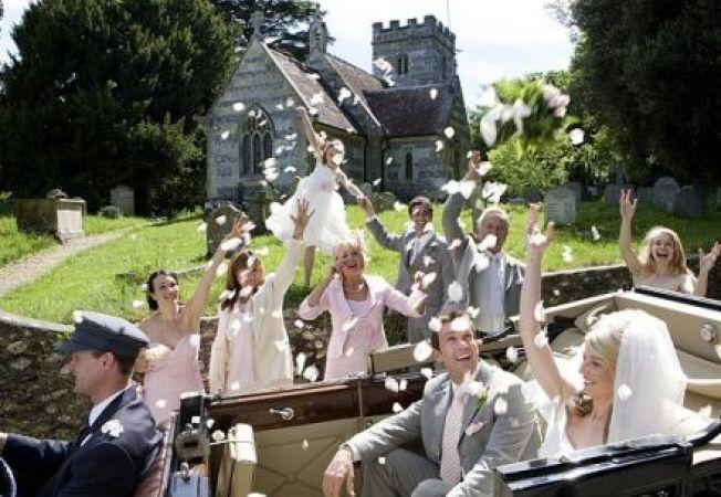 Nunti scumpe, logodne tot mai lungi. Cuplurile nu se mai grabesc sa se casatoreasca