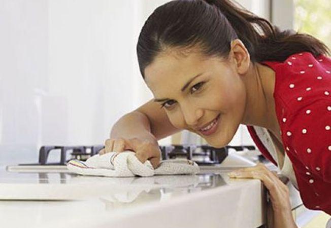 6 produse naturale pentru curatarea  suprafetelor din bucatarie