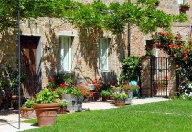 Stilul toscan in amenajarea gradinii, ideal pentru tranzitia de la vara la toamna
