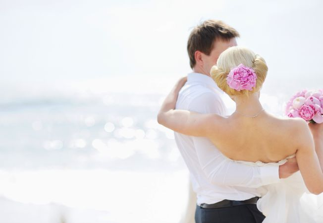Ti-e teama de marele pas? 4 motive sa te casatoresti
