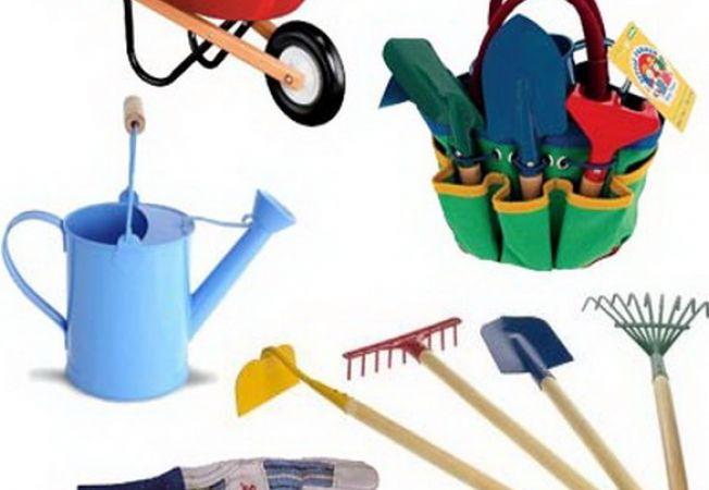 Ghidul gradinarului : 8 unelte care nu trebuie sa-ti lipseasca