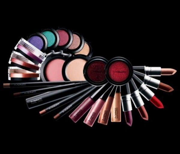 3 idei de cadouri pentru fetele carora le place makeup-ul