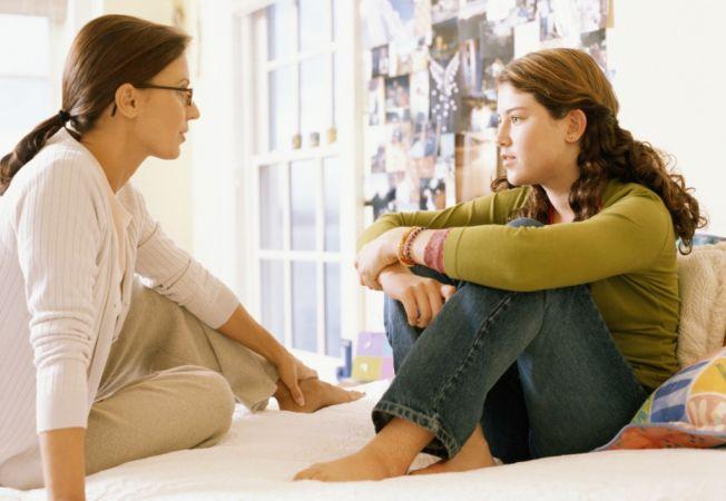 Adolescent rebel si obraznic? 4 sfaturi utile pentru disciplinarea lui