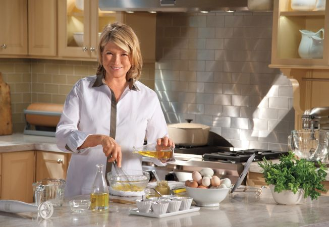 Bucatari celebri: Martha Stewart - Miniplacinte dulci-acrisoare cu afine