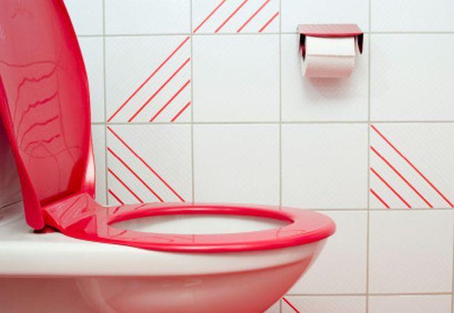 Curatarea vasului de toaleta: 5 idei si solutii neasteptate