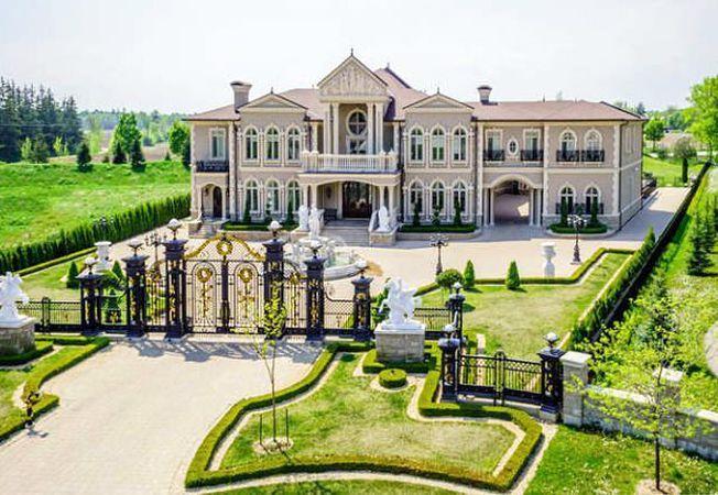 Case de lux: Castelul din Vaughan, Canada, copiat dupa celebrul Palat Versailles