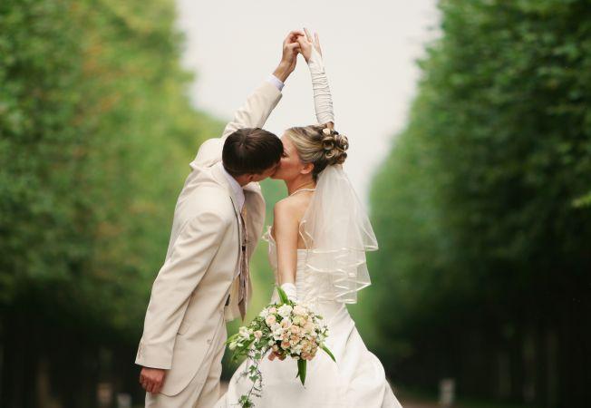 Tinerii casatoriti nu sunt fericiti. Afla cand apare fericirea intr-o casnicie!