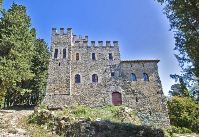 Case de lux: cum ar fi daca ai locui in Castelul Carbonana din Italia