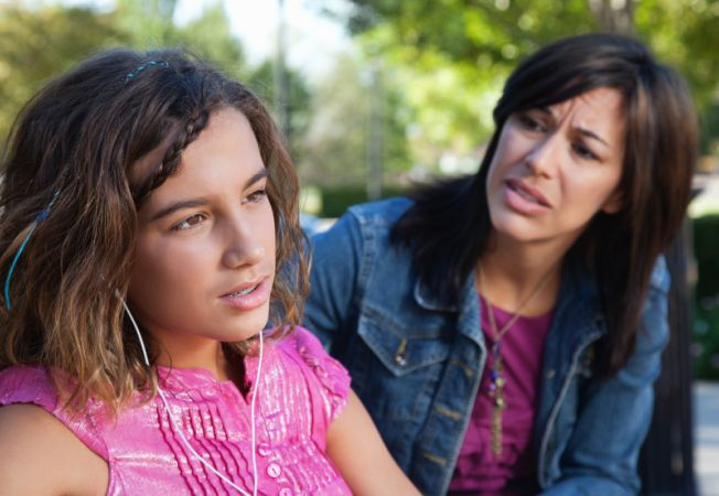 4 intrebari pe care nu ar trebui sa i le adresezi adolescentului tau