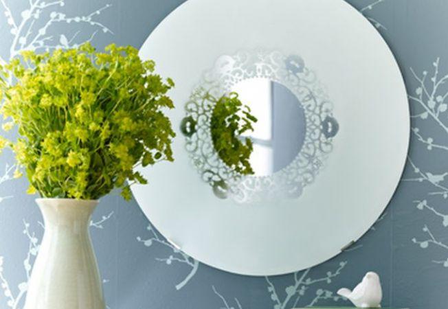Proiect homemade romantic: oglinda cu model de dantela