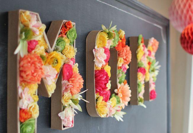 Cum poti obtine o decoratiune 3D din litere si flori