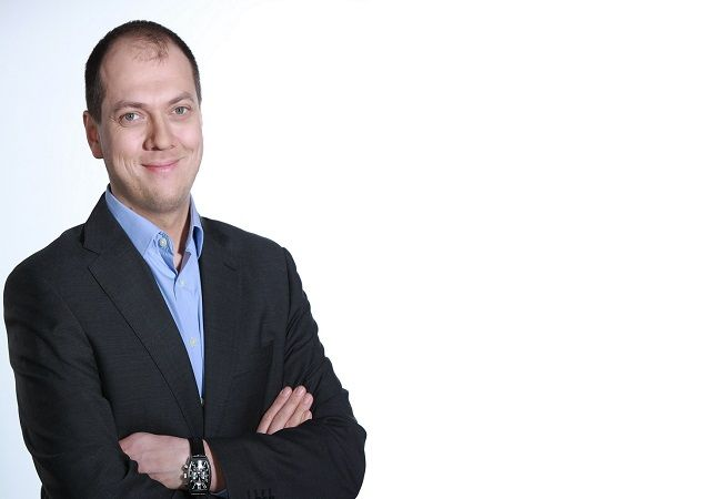 Expertul Acasa.ro, dr Florin Daniel Juravle, medic primar chirurgie plastica si microchirurgie reconstructiva