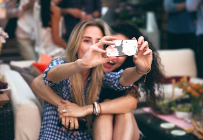 Ce poze ar trebui sa-ti pui pe retelele de socializare pentru a deveni mai atragator in 2014