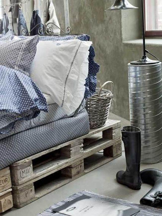 Cum sa realizezi cadre de pat uimitoare cu ajutorul paletilor
