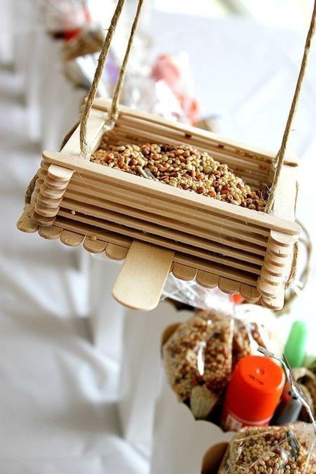 6 hranitoare pentru pasari si fluturi pe care le poti confectiona chiar tu
