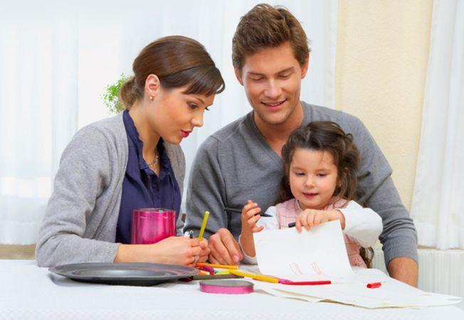 Educatia copilului dupa divort: o treime dintre mamici refuza implicarea tatalui