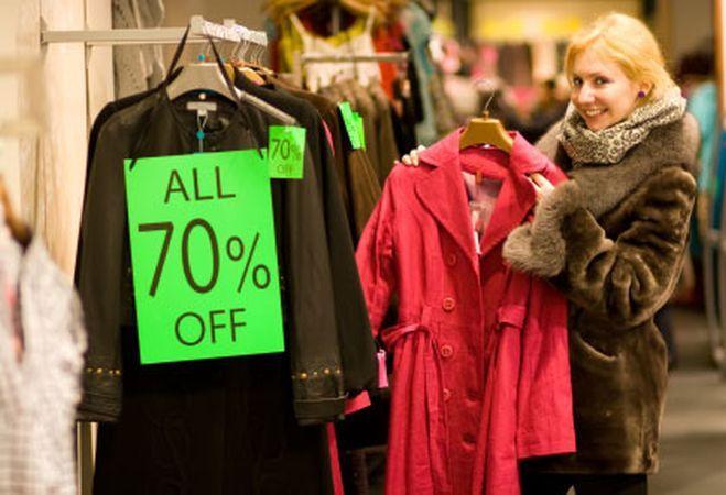 Profita de reduceri: 3 piese vestimentare pe care merita sa ti le achizitionezi