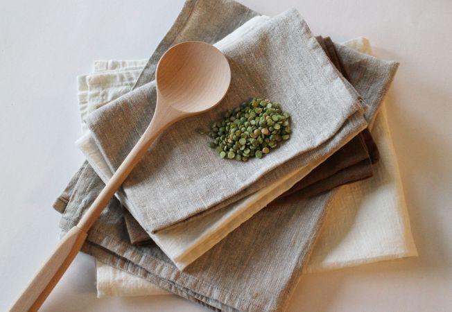 Cum speli si scoti mirosul urat din prosoapele de bucatarie