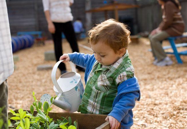 Ce sarcini domestice sa atribui copilului tau, in functie de varsta