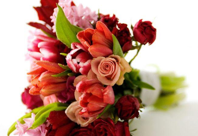 buchete de flori romantice de daruit de Valentine's Day