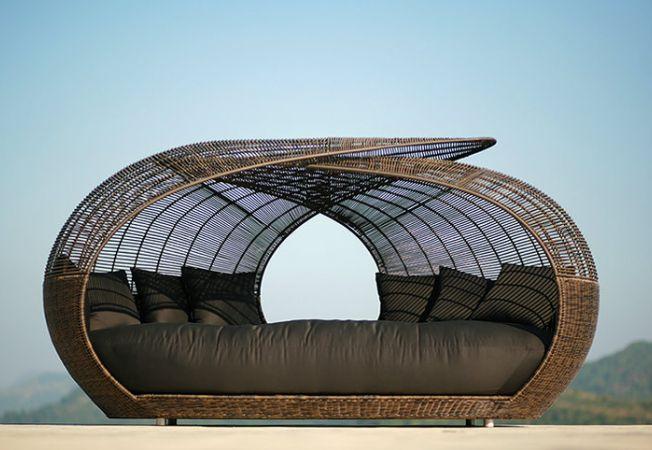 Paturile de exterior, noua obsesie pentru relaxarea in gradina
