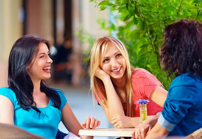 4 sfaturi care te vor ajuta sa iti faci prieteni noi