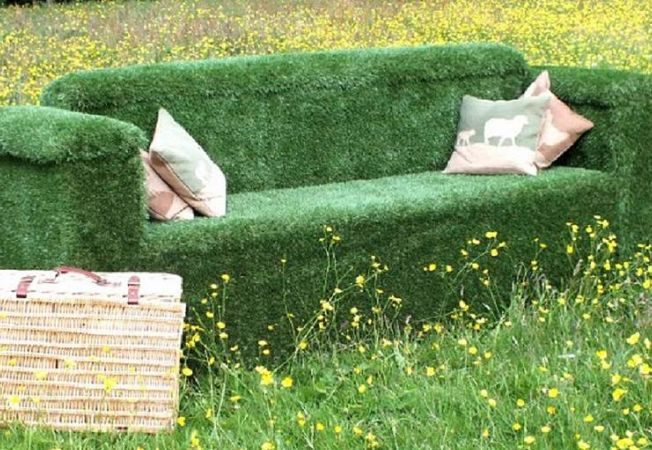 ideas creative for decorararea garden with the artificial turf. Black Bedroom Furniture Sets. Home Design Ideas