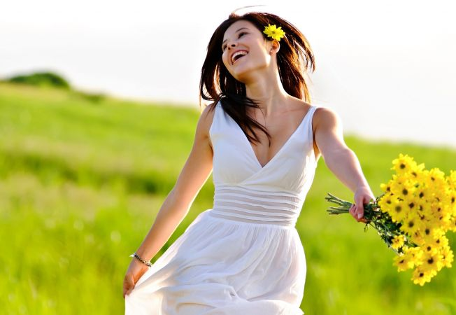 Ce flori sa-i daruiesti mamei tale de 8 martie, in functie de zodia ei
