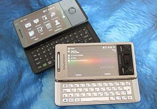 Sony-Ericsson-XPERIA-X1-vs-HTC-Touch-Pro-A
