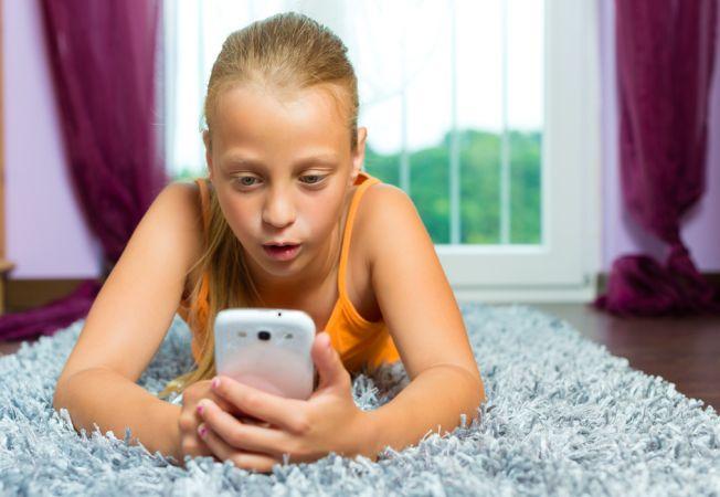 Cand ar trebui sa cumperi copilului tau un smartphone
