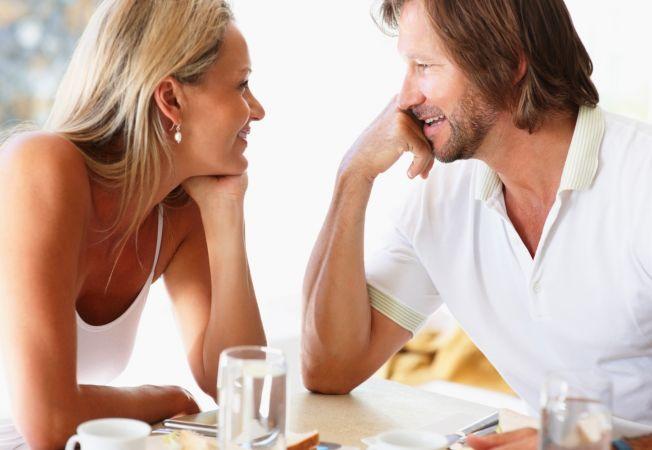 Cele 6 legi nescrise ale intalnirilor: tu stii regulile jocului?