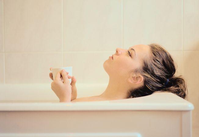 Bicarbonatul, un tratament corporal ieftin si la indemana. Ce minuni face pentru frumusetea ta?
