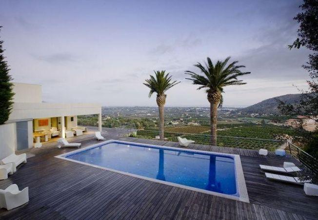Case de lux: Vila impresionanta in stil contemporan din Spania