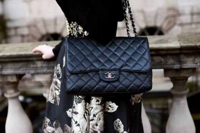 10 lucruri pe care orice femeie trebuie sa le aiba in geanta