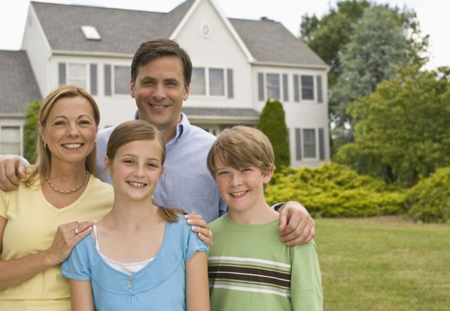 Familia traditonala are avantaje nebanuite. Afla de ce relatiile de moda veche functioneaza!