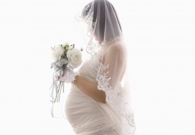 Insarcinata la propria nunta: cum sa te simti cea mai frumoasa mireasa!