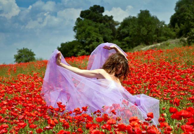 4 afrodiziace naturale din gradina ta. Iata plantele folosite pentru descantece de dragoste!