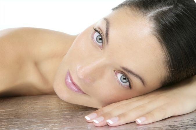 10 moduri eficiente de a preveni lasarea pielii