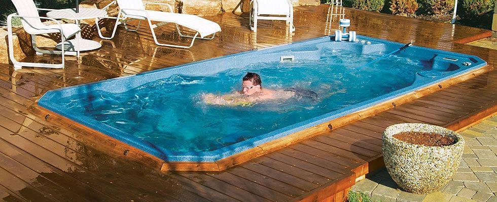 Cum sa ai o piscina SPA la tine acasa: hidromasaj si inot contracurent