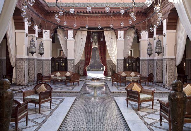 7 hoteluri care iti taie rasuflarea prin designul interior for Interior decoration and designing iti