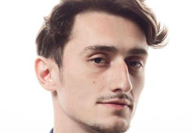 Expertul Acasa.ro, Costa Stavrositu, hairstylist
