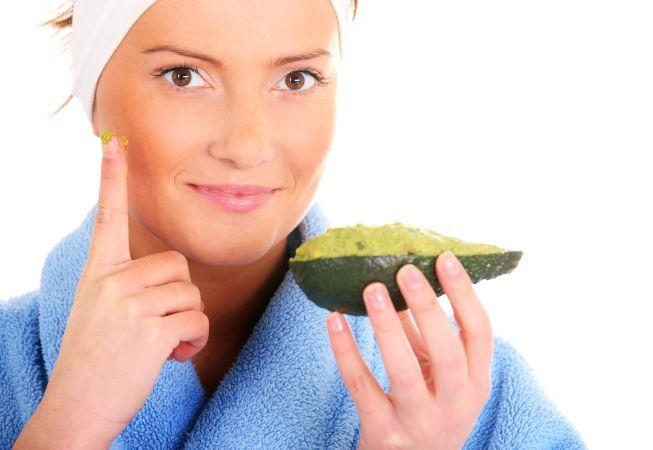 Avocado, fructul care face minuni pentru piele si par