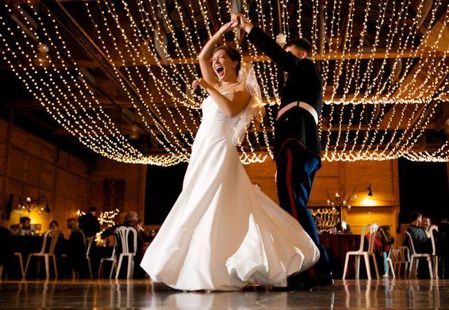 7 melodii pe care sa i le dedici la nunta, in functie de relatia voastra