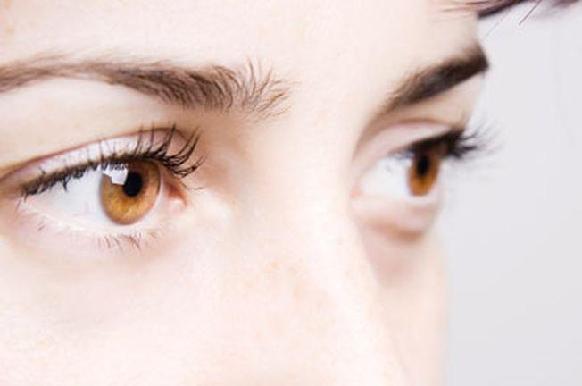 Obiceiul care iti distruge vederea. Iata ce iti poate afecta in mod serios ochii!